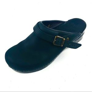 Sanita Womans Clogs Black Leather Size 42